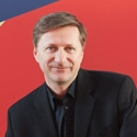 Serge Patrice Thibodeau nommé chevalier de l'ordre des Arts et des Lettres de la République française.