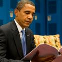 En vacances, Obama lit…