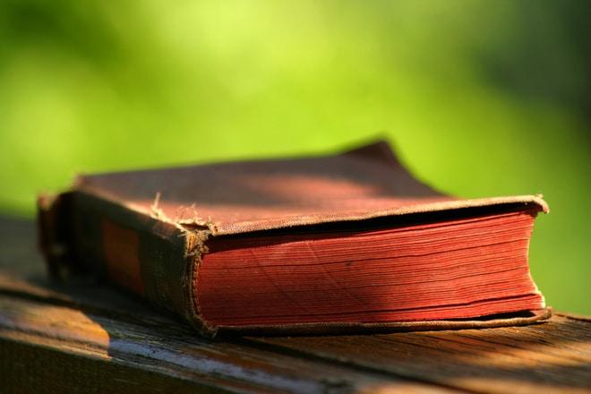 Liste des choses étranges qu'on fait lorsqu'on aime trop les livres
