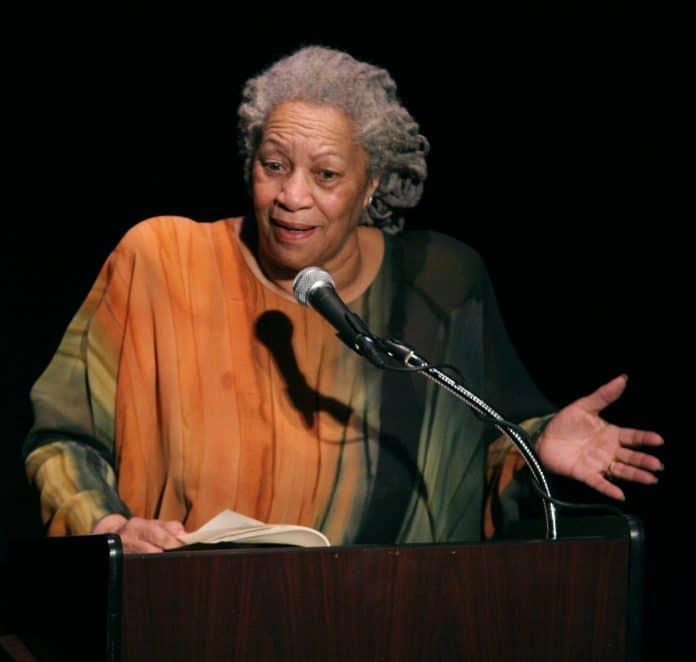 Toni Morrison reçoit le prix PEN/Saul Bellow