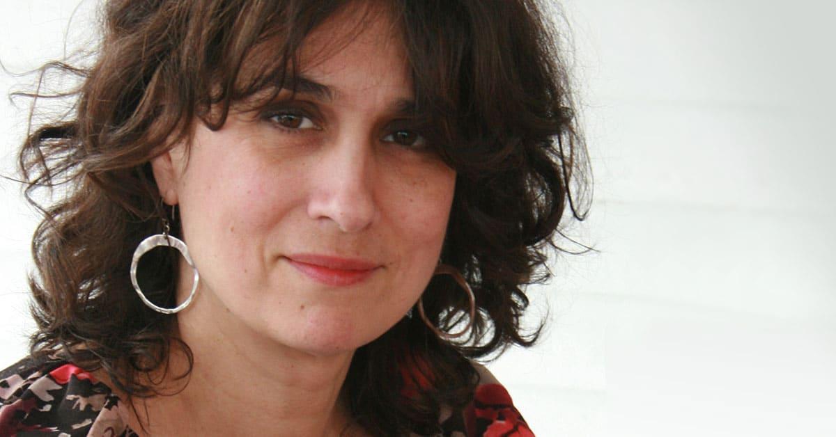 Caroline Merola : La couleur au bout des doigts