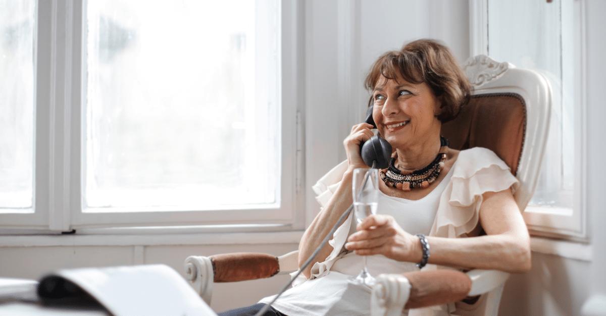 Une lecture au téléphone pour vaincre la solitude